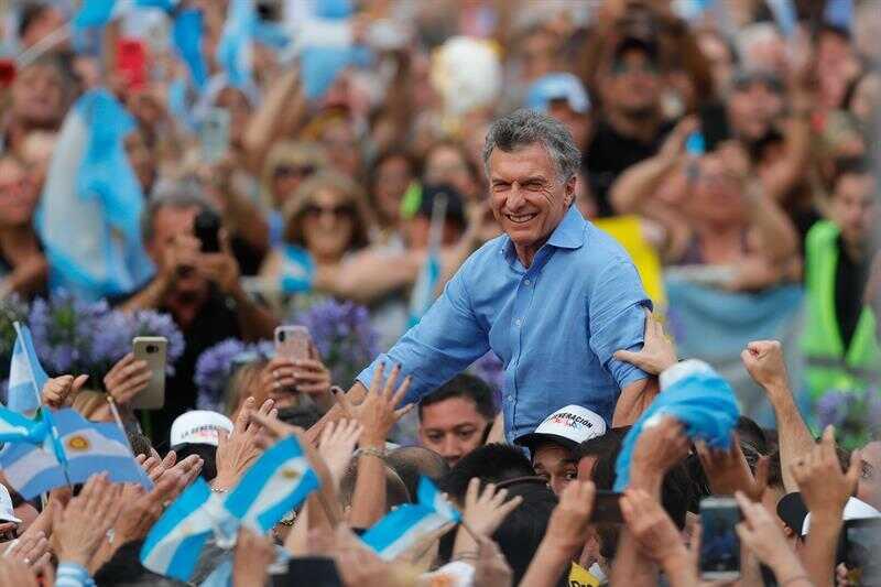 Macri se despide y llama a evitar que roben a Argentina   La Crónica de Hoy