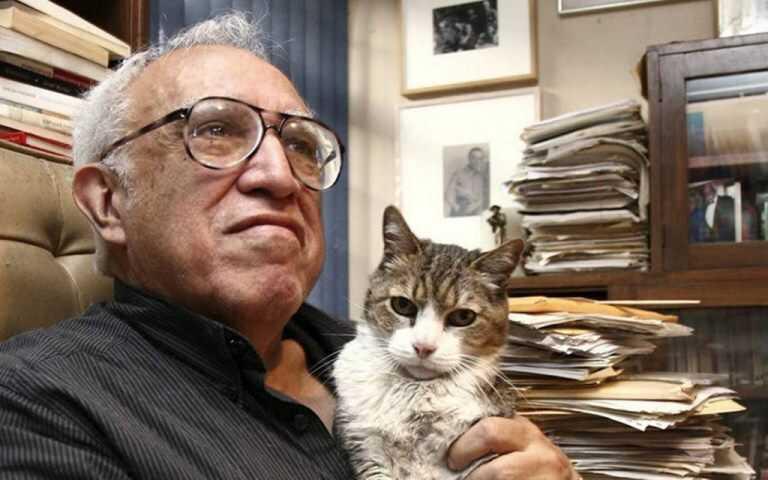 Reeditarán La autobiografía precoz de Carlos Monsiváis, anuncia Taibo II | La Crónica de Hoy